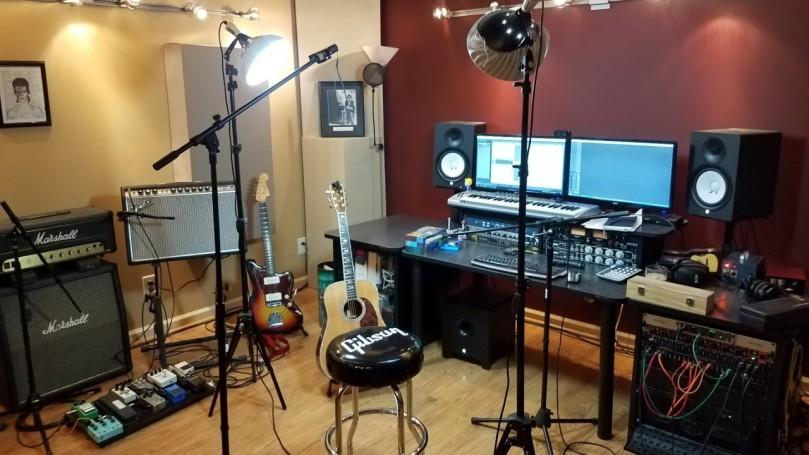 audio home studio in low budget.jpg