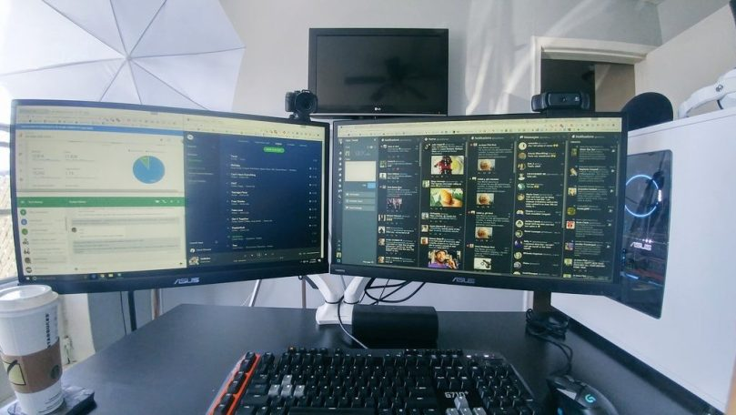 PrimeCables-Dual-Monitor-Desk-Mount-Review.jpg